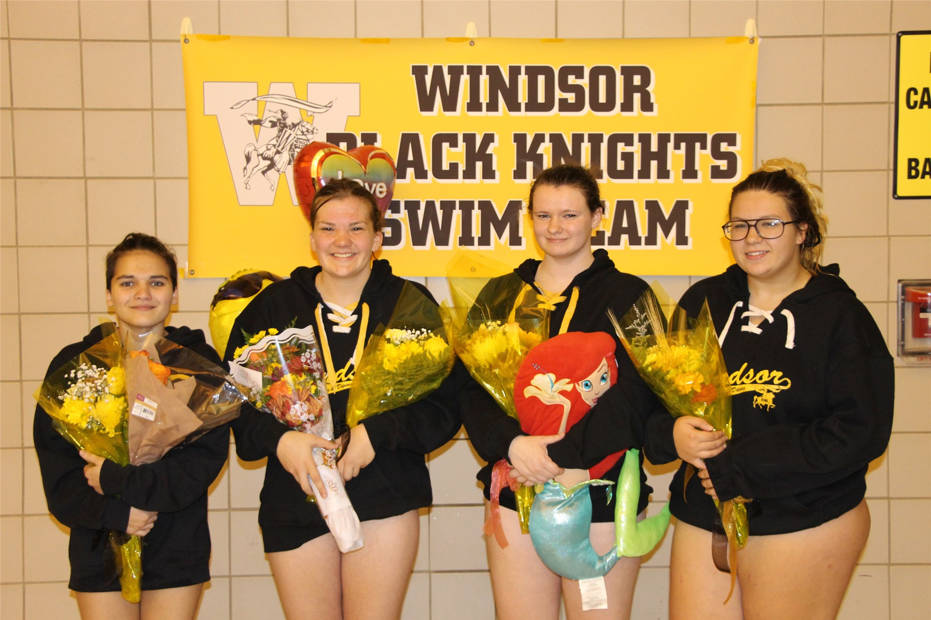Swimming & Diving Seniors